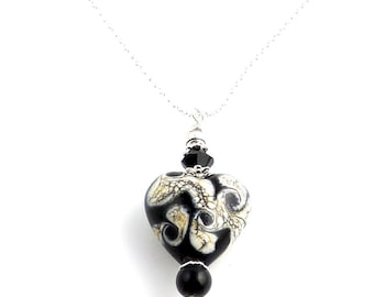 Black and White Lampwork Heart Beaded Charm Necklace, Lampwork Necklace, Heart Necklace, Valentine Day, Gifts, Fashion Jewelry