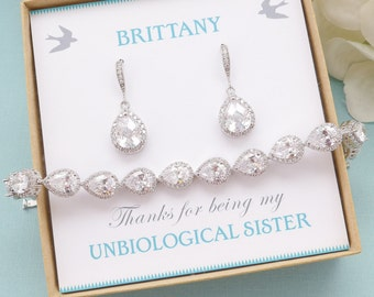 Personalized Bridesmaid Gift, Bridesmaid Earrings and Bracelet Set, Bridesmaid Jewelry Set, Mother of Bride Jewelry, Bridesmaid Gifts
