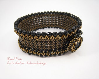 Beadwoven Black Bracelet Art Decó Style, Graphic Pattern, Beaded Wristband, Black and Bronze Jewelry, Beaded Bracelet with Swarovski Rivoli