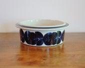 Arabia Finland Stoneware Bowl Blue Rosmarin Anemone by Ulla Procope, Mid Century Scandinavian Earthenware 7 Inch Round Vegetable Bowl