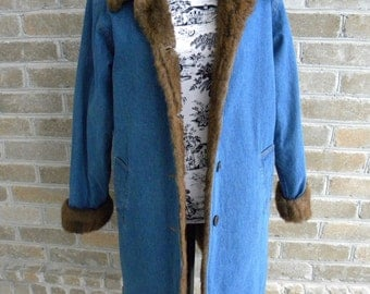 Vintage Faux Fur Lined Denim Coat / Fake Fur Lined Denim Coat / Faux Fur Lined Mid Length Coat  / Women's Size M