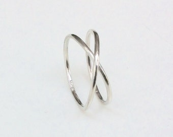 sterling silver infinity ring band - minimalist x crossing ring - solid design - comfortable fit - hallmarked 925