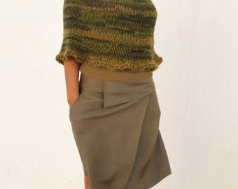 Women knit ponchos, wool green capelet, hand knitted, green knit capelet, knit capelet, poncho cape, hand knit capelet