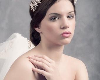 LILACS wedding crown. Bridal headpiece. Wedding headpiece. Blossoms headpiece. Bridal blossoms crown. MOD548 bridal Crown