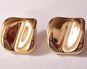 Avon Square Buttons Pierced Stud Earrings Gold Tone Vintage 1986 Polished Perfection Round Edges Concave Center Surgical Steel Posts