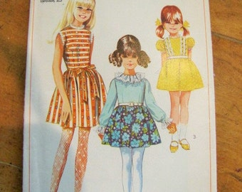 Little Girls Simplicity Dress Pattern 7740 from 1968 Size 6