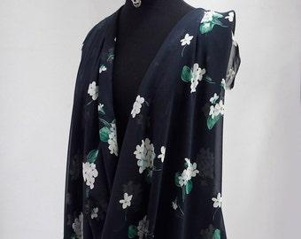 silk chiffon print fabric large floral print navy blue background green white kaftan kimono evening 140cm wide Italy