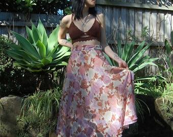 SALE >> Vintage floral skirt MIDI MAXI 50s 60s 70s bohemian / romantic beautiful breezy silky soft / purple pink brown cream xs