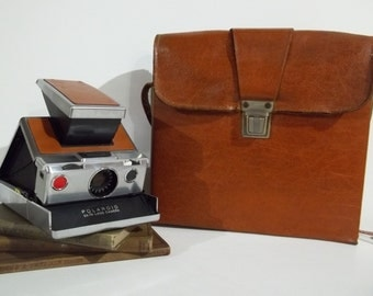 Polaroid SX 70 Land Camera With Leather Case
