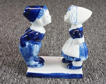 Vintage Delft Hand Painted Dutch Boy And Girl Kissing Figurines