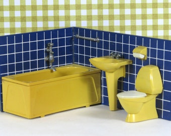 Doll house vintage bathroom sink tub toilet Lundby 1970s furniture yellow mustard blue cobalt