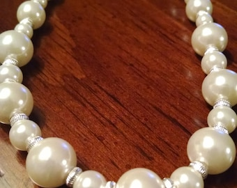 White Beaded Necklace, So Pretty, Gifts Under 15.00, For Her, Costume Jewelry, Accessories, Vintage Jewelry,Chokers,Pretty Necklaces, Summer