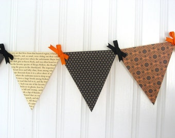 Sleepy Hollow Paper Pennant Banner / Halloween Decoration / Book Page Decor / Party / Bunting / Garland