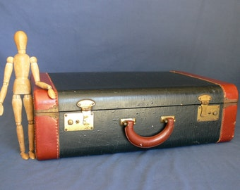 SuitCase Vintage Hard Sided Black Alligator Textured With Brown Leather  Trim And Brass Hardware, Medium
