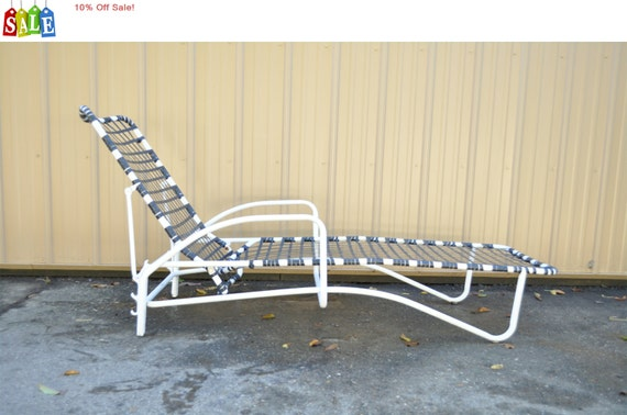10 off sale vintage white bent aluminum brown jordan tamiami for Brown jordan chaise lounge