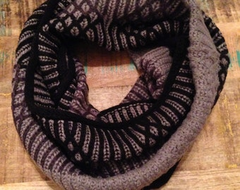 Three Color Knit Scarf