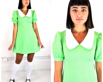 1960's green mod mini dress/ 60's peterpan collar/ A-line dolly dress/ sz  M - L