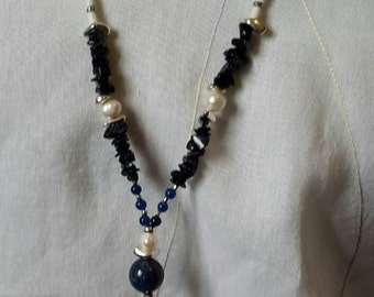 Lapis lazuli and cultured pearls, agate, silver necklace 925