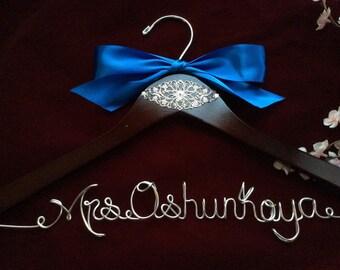 Personalized wedding hanger, Bride hanger, wedding dress hanger,wedding hanger with ornament