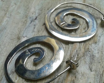 Spiral smooth or hammered Silver earrings
