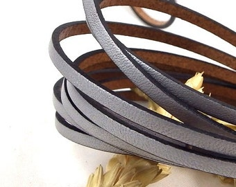 Flat silver leather 0,11 inches by 1 meter