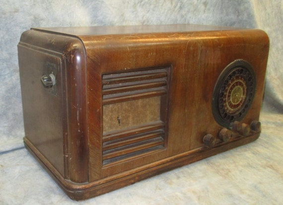 1938 Montgomery Ward Airline Radio Model 62 374 Batteryless