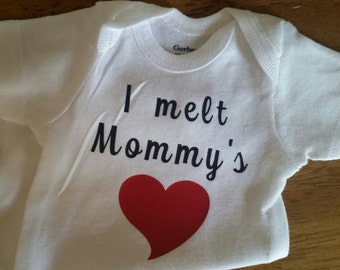I Melt Mommy's Heart Onesie, Mommy Baby Clothes, Baby Shower Gift, Gender Neutral Baby Clothes, Baby Girl Clothes, Baby Boy Clothes, New Mom
