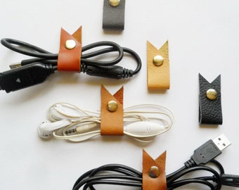 Earphone cord organizer Leather cord tidy Earphone clips Leather cable band iPhone accessories Cord snap Cable clips Guitar cables holder
