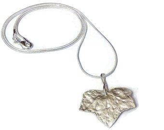 """Collar """"leaf of Ivy"""" in silver paste"""