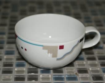 Studio Nova, Attitudes, Flat cup