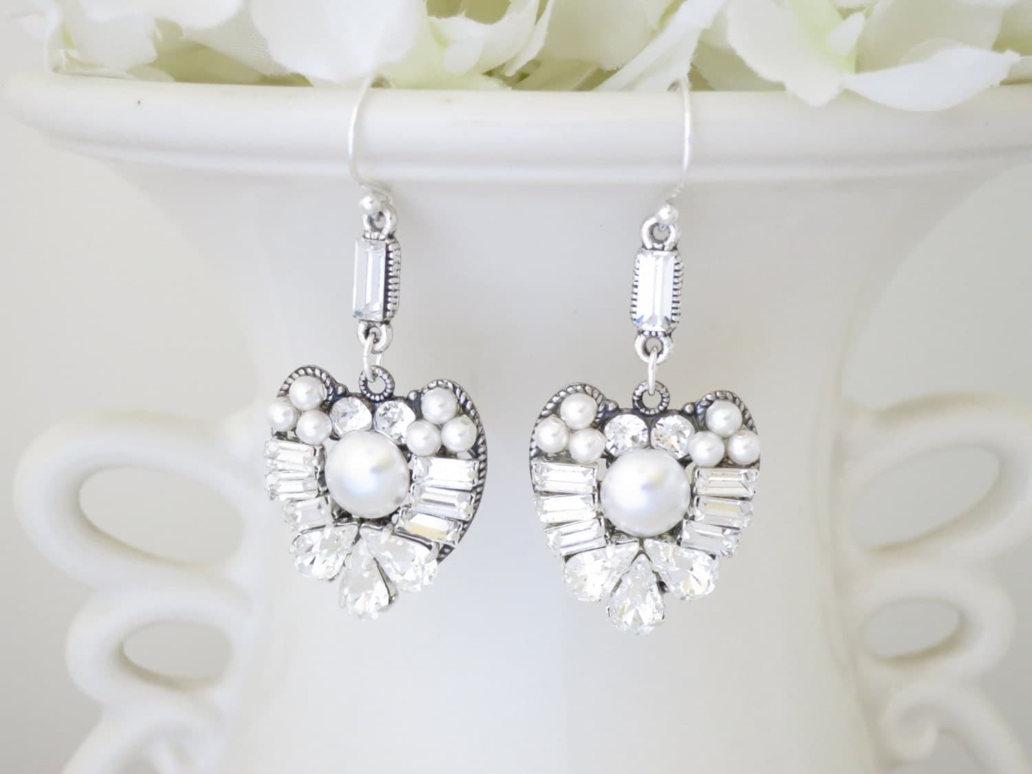Swarovski crystal and pearl bridal earring, Rhinestone and pearl drop earring, Unique wedding earring