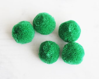T9-850-20-24] Green / 20mm / Pompom Ball / 4 piece(s)