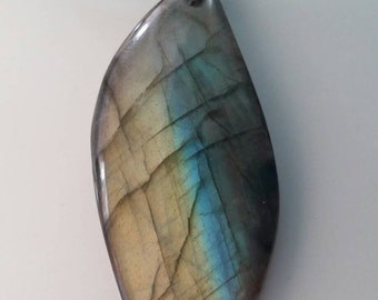 Labradorite /Madagascar/ natural gemstone necklace/  Really great reflection.