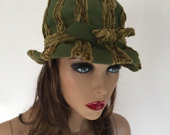 Vintage 60s Green Bubble Hat with Chenille Stripes and Bow - Mr Kurt Originals 1960s Hat