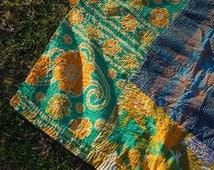 OMAR - Magic carpet HANDMADE KANTHA quilt throw / Indian bedding queen / vtg bohemian picnic blanket