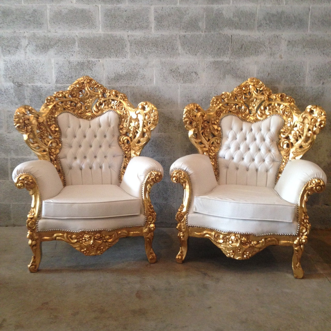 White leather chair antique italian baroque throne chair for Antique baroque furniture