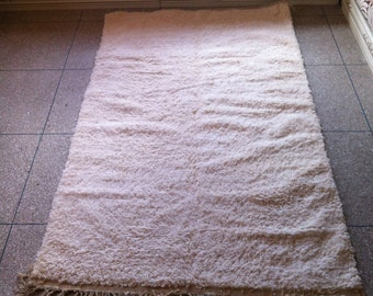 Luxurious Handwoven Beni Ourain Rug, Wool, Ivory / 270 X 150 CM / 8.9 X 4.9 ft