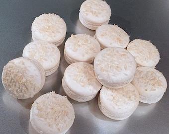 Coconut Macaron (8 pieces)