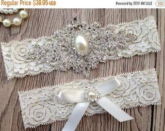 ON SALE Ivory Garter - Wedding Garter Belt - Crystal Rhinestone - Pearl Garter - Ivory Lace Garter - Wedding Garter - Keepsake Garter - Toss