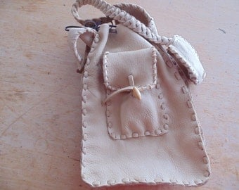 "Handbag shaped ""Pocket"" with 2 external and 2 pockets, shoulder-braid flat, shoulder, Moose leather, braiding also"