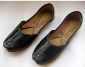 Black Leather Shoes/Women Flats/Ethnic Shoes/Handmade Indian Designer Women Shoes or Slippers/Maharaja Style Women Jooties