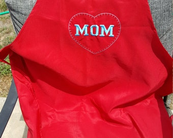 "Embroidered Apron ""MOM"""