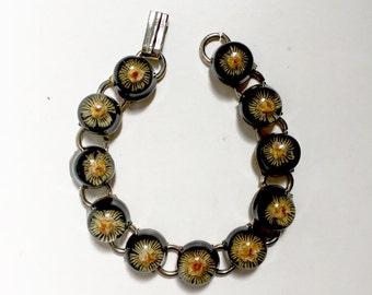 Vintage Dried Flower Lucite Round Dome Link Bracelet .