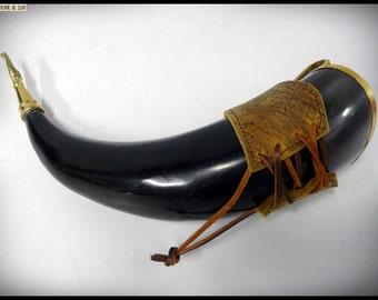 Drinking horn + medieval / Viking scabbard