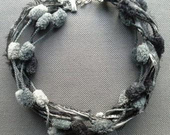 Textile necklace chic, light and bulky