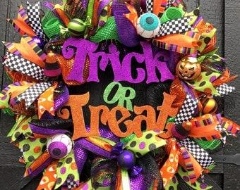 Halloween Trick or Treat Deco Mesh Door Wreath, Halloween Wreath, Halloween Decor, Fall Wreath, Front Door Wreath, Ships Today