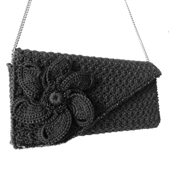 Crochet vintage evening clutch purse in black