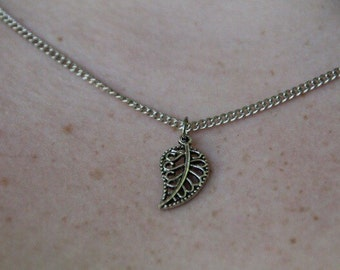 Mini leaf necklace