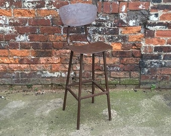 Industrial steel square tube machinist stool. chic chair vintage stool , rusty metal finish bar stool cafe restaurant. aged iron tall seat