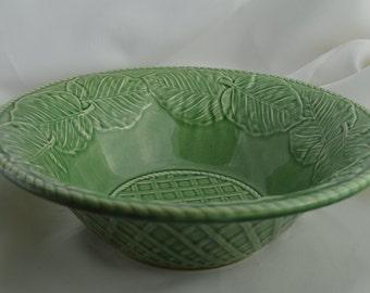 Green Bordallo Pinheiro Bowl in Leaf Service